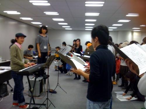 不平の合唱団東京